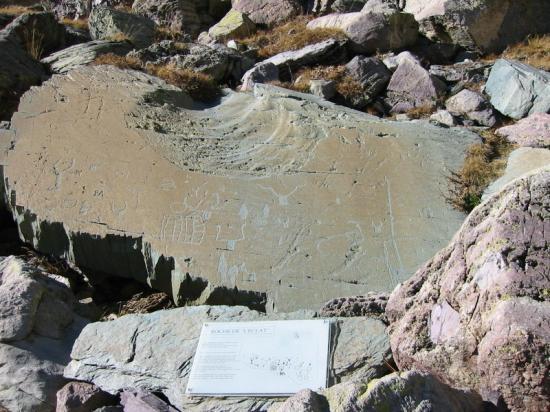 Vallée des Merveilles pierre gravée