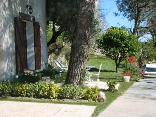 Jardin vue du sophora.jpg